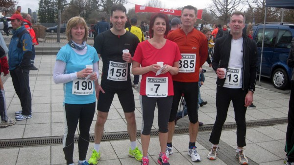 Sylvia, Matthias, Beate, Hannes und Martin im Ziel